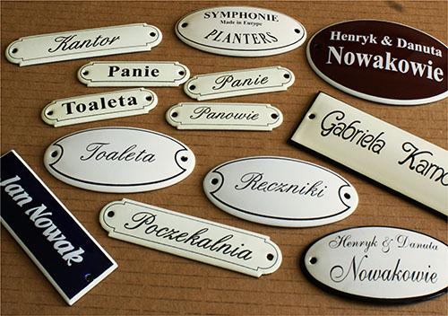 Emaliowane tabliczki na drzwi