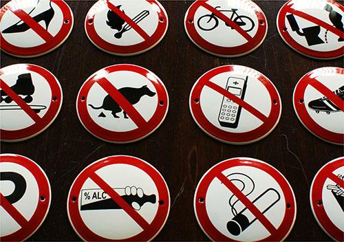 Emaliowane znaki zakazu